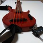 ウクレレベースの弦をまた作る…